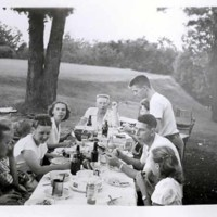 Herling-Family-Picnic-at-the-Reservoir-Park-Glenway-Street-1947.jpg